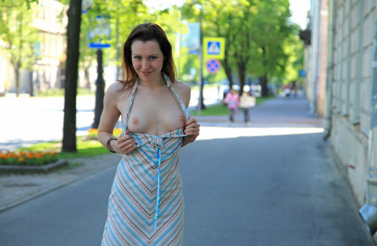 beautiful girls in public naked