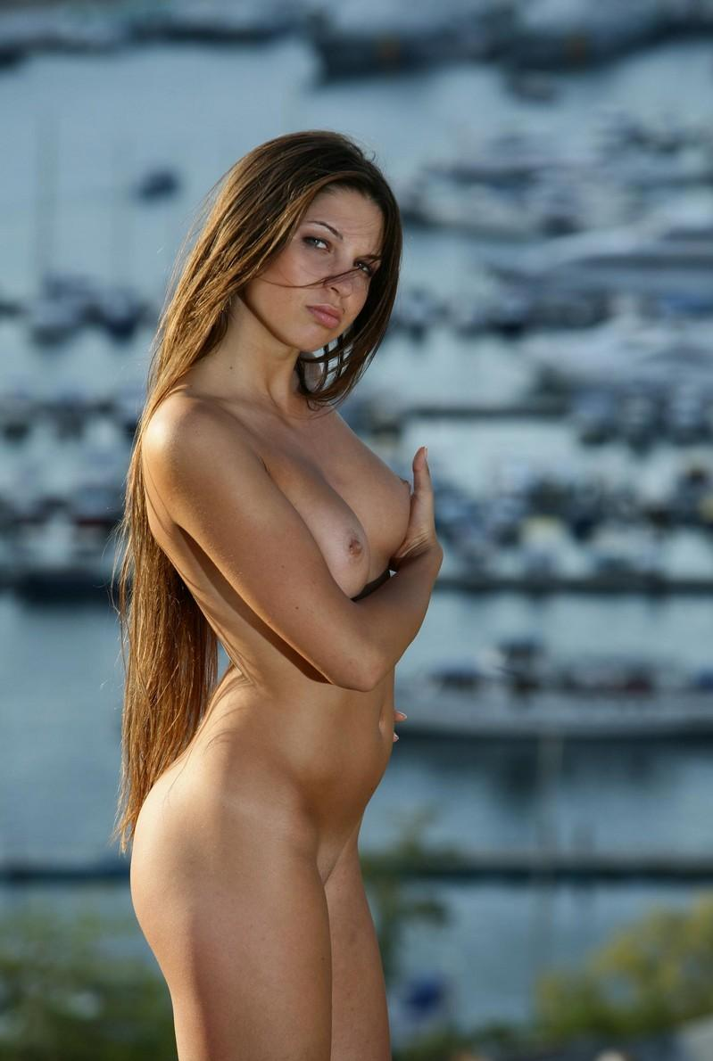 Nude girls with long hair very valuable