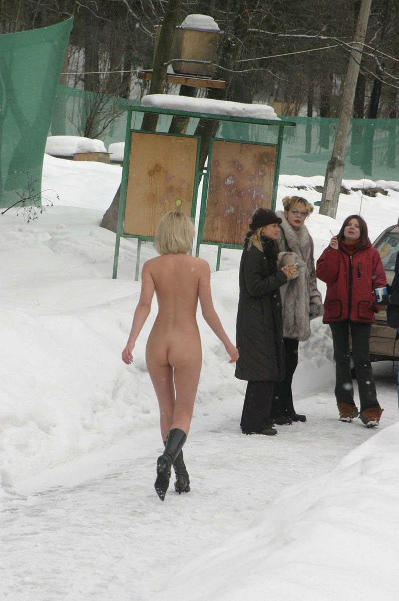 Naked Blonde Plays Snowballs With Her Friends At Winter -3778
