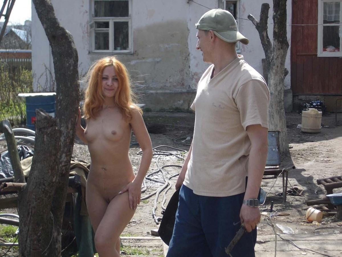 Телка при всех не стесняется раздеваться, Не Стесняясь Голая (найдено 63 порно видео роликов) 25 фотография