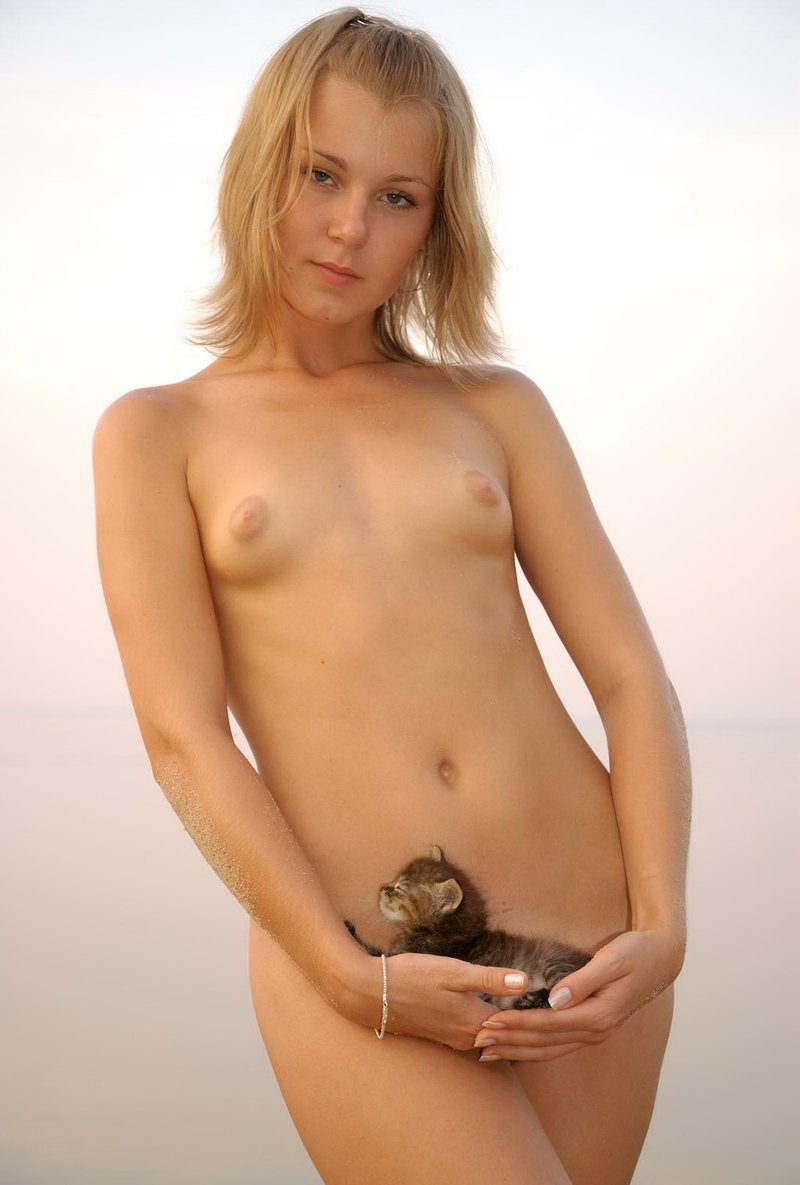 Little russian blonde kitten loves indian cock 5