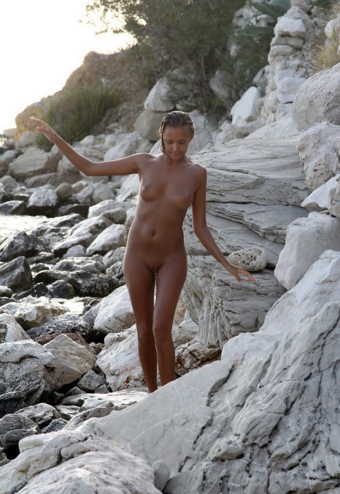 Apologise, nudist girls pic