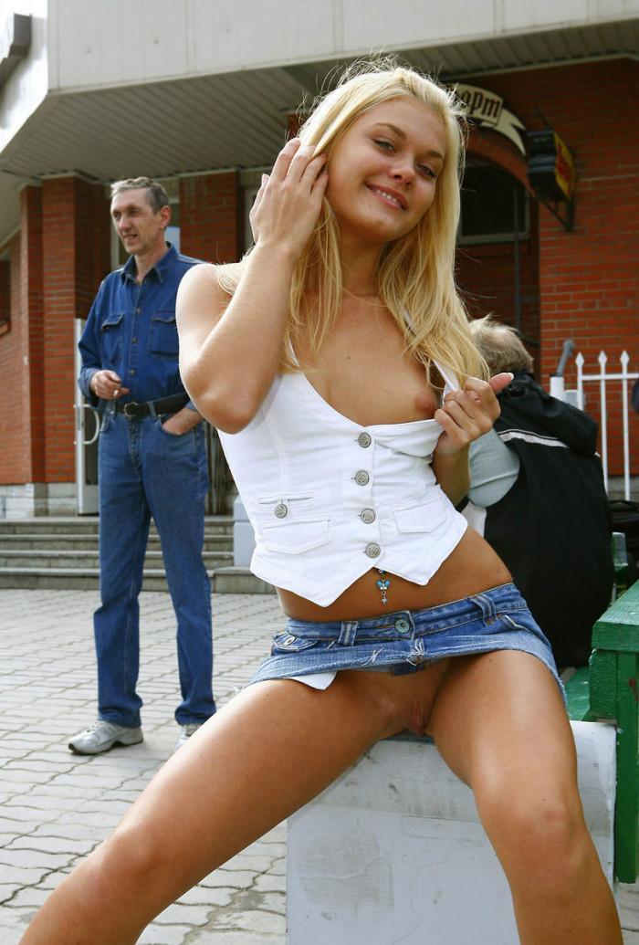 Girl flashing boobs