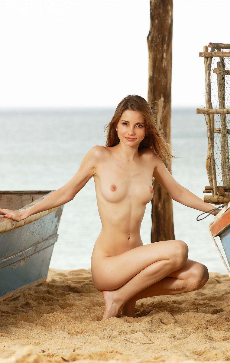 Девушка аня обнаженная, фото интим пирсинги девушек порно