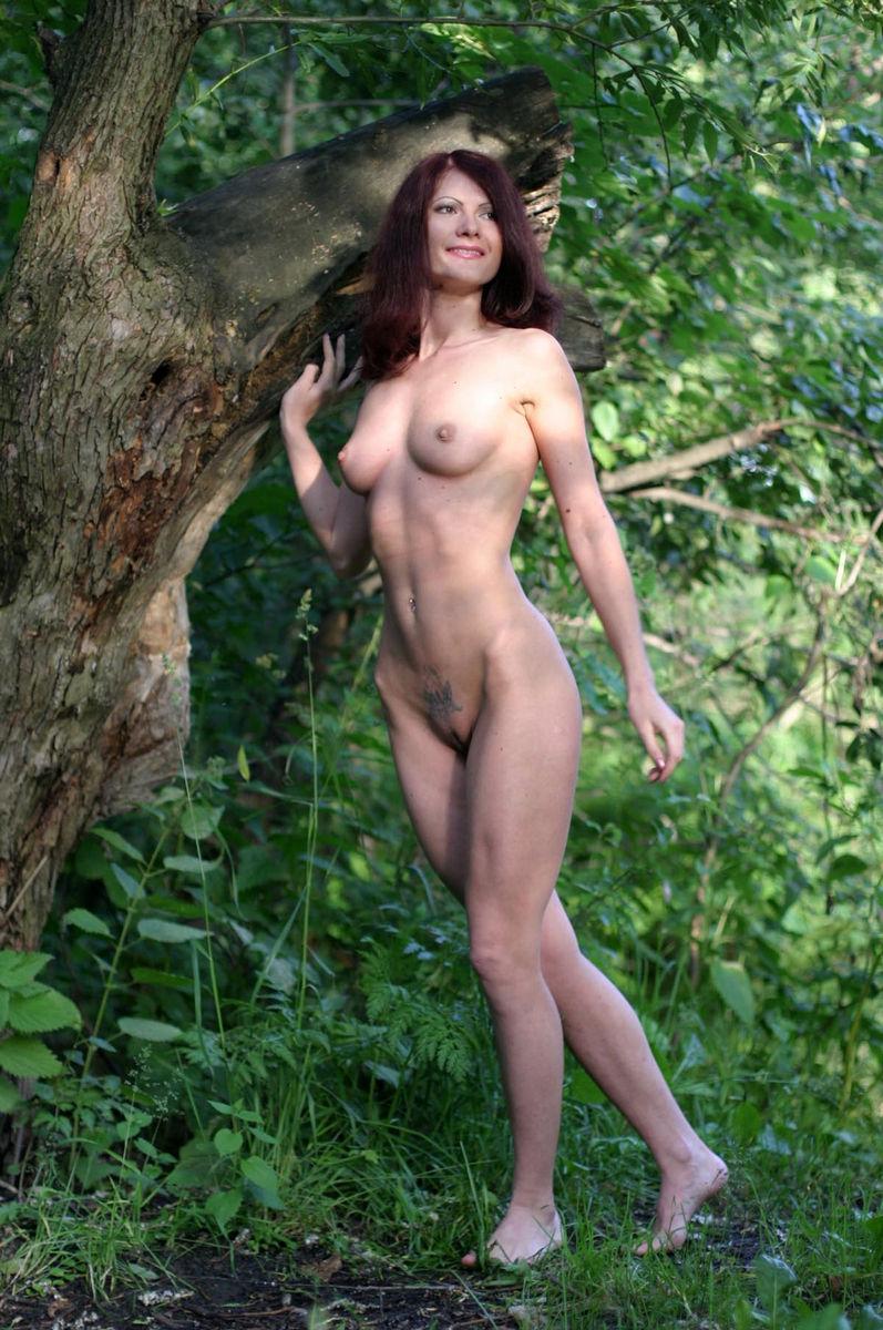 Very sexy milf in a thong bikini 2014 8
