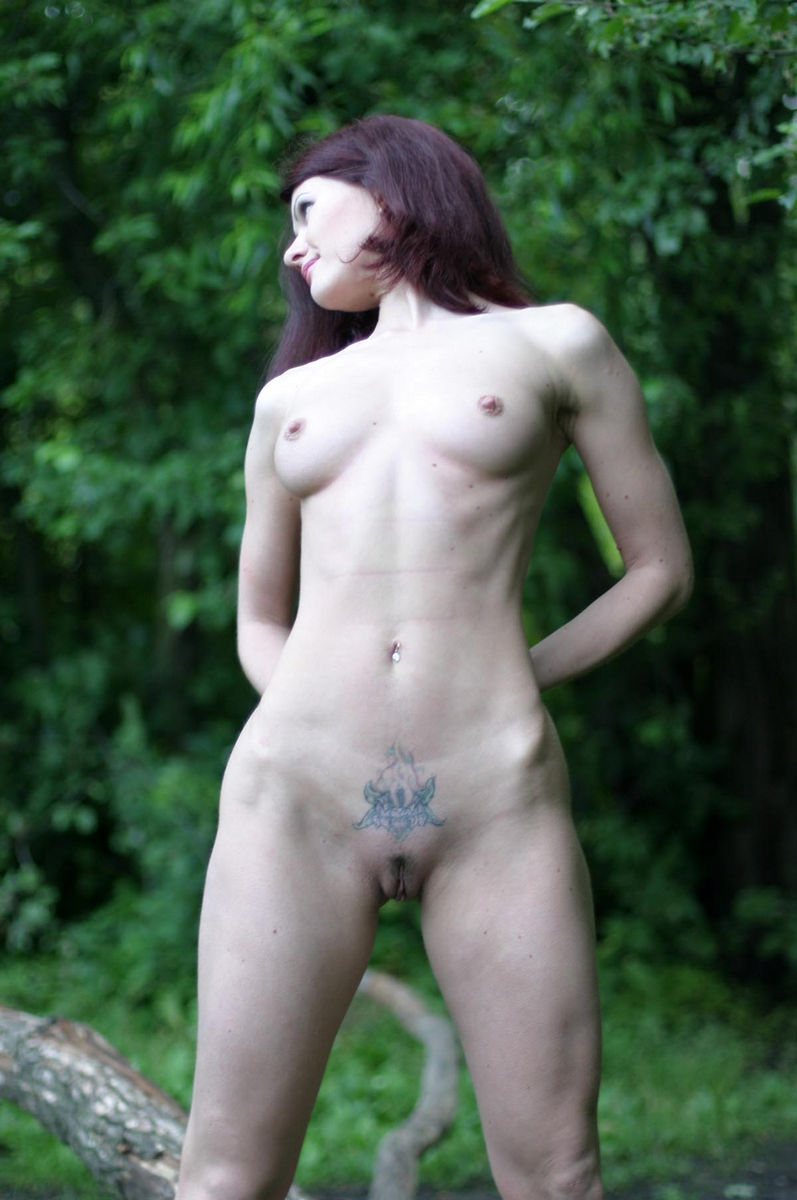 Very Hot Russian Redhead Milf With Sporty Body Posing At -1171