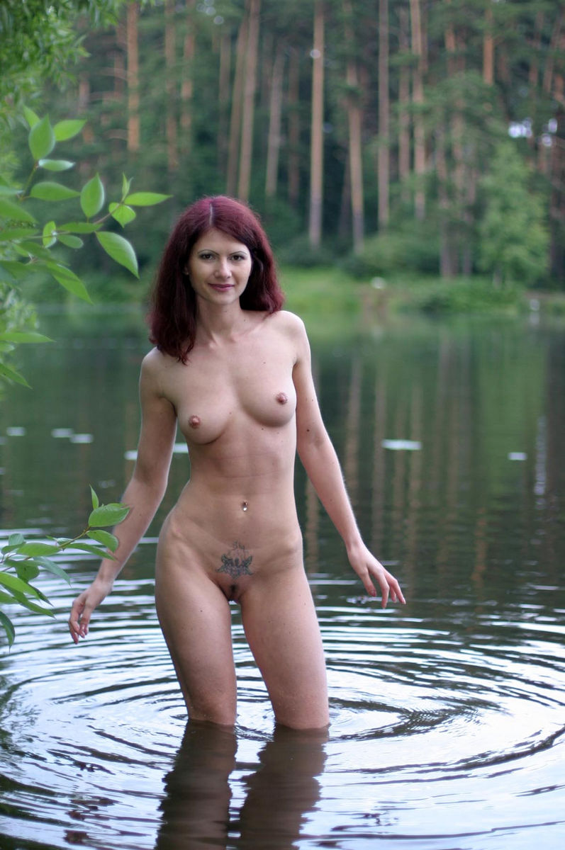 Very Hot Russian Redhead Milf With Sporty Body Posing At -2849
