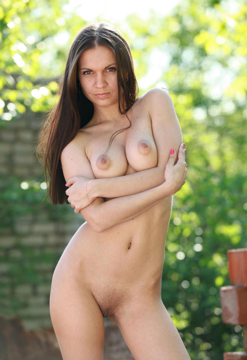 brunette big nipples