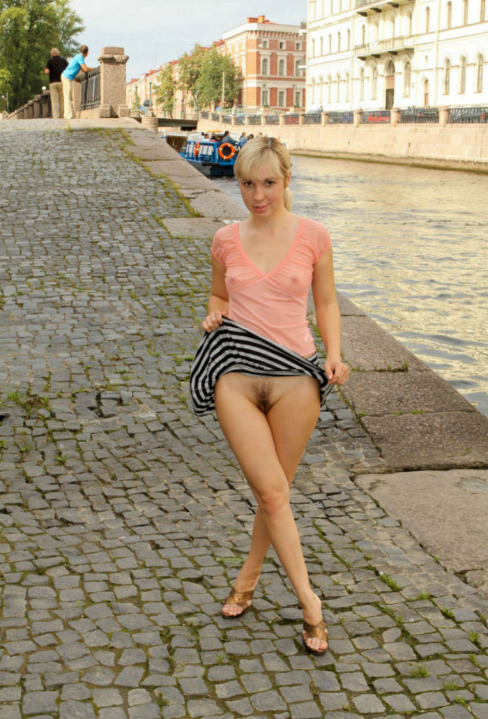 Blonde From St Petersburg Lifts Up Her Skirt On The Pier -9368