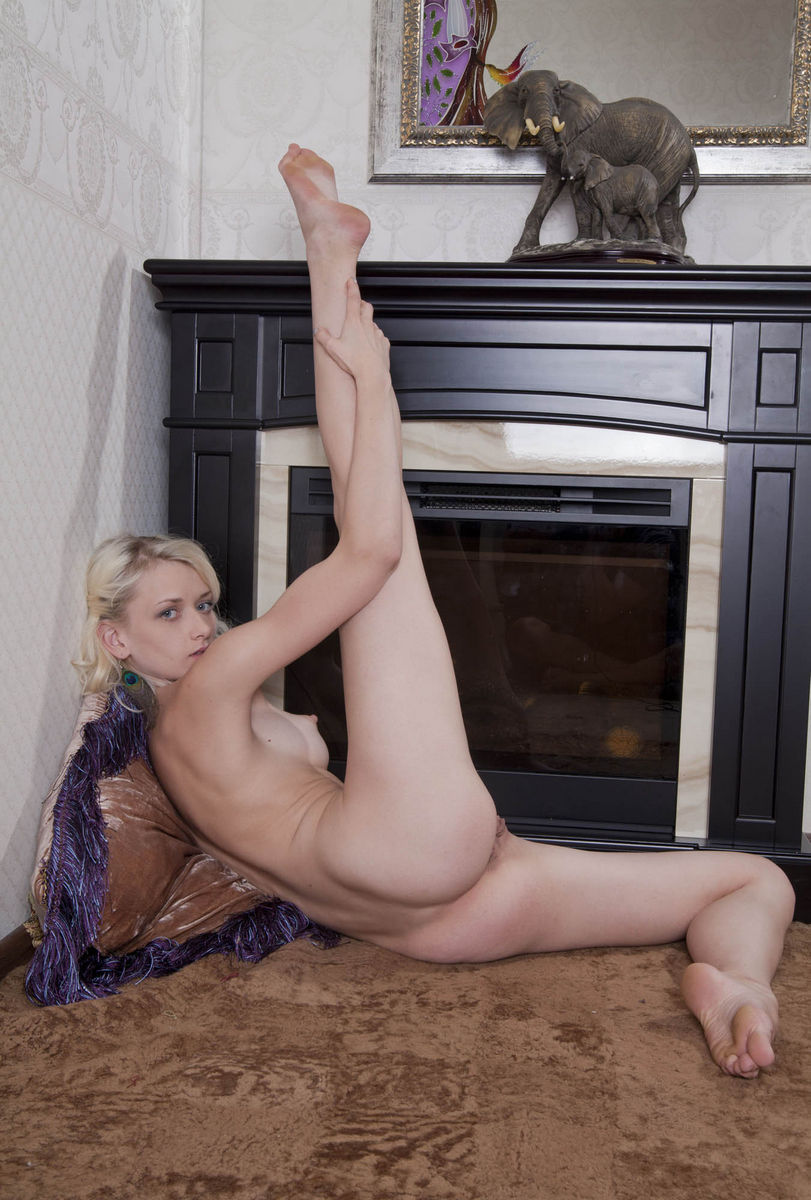 Sorry, Hot girl flexible naked opinion not