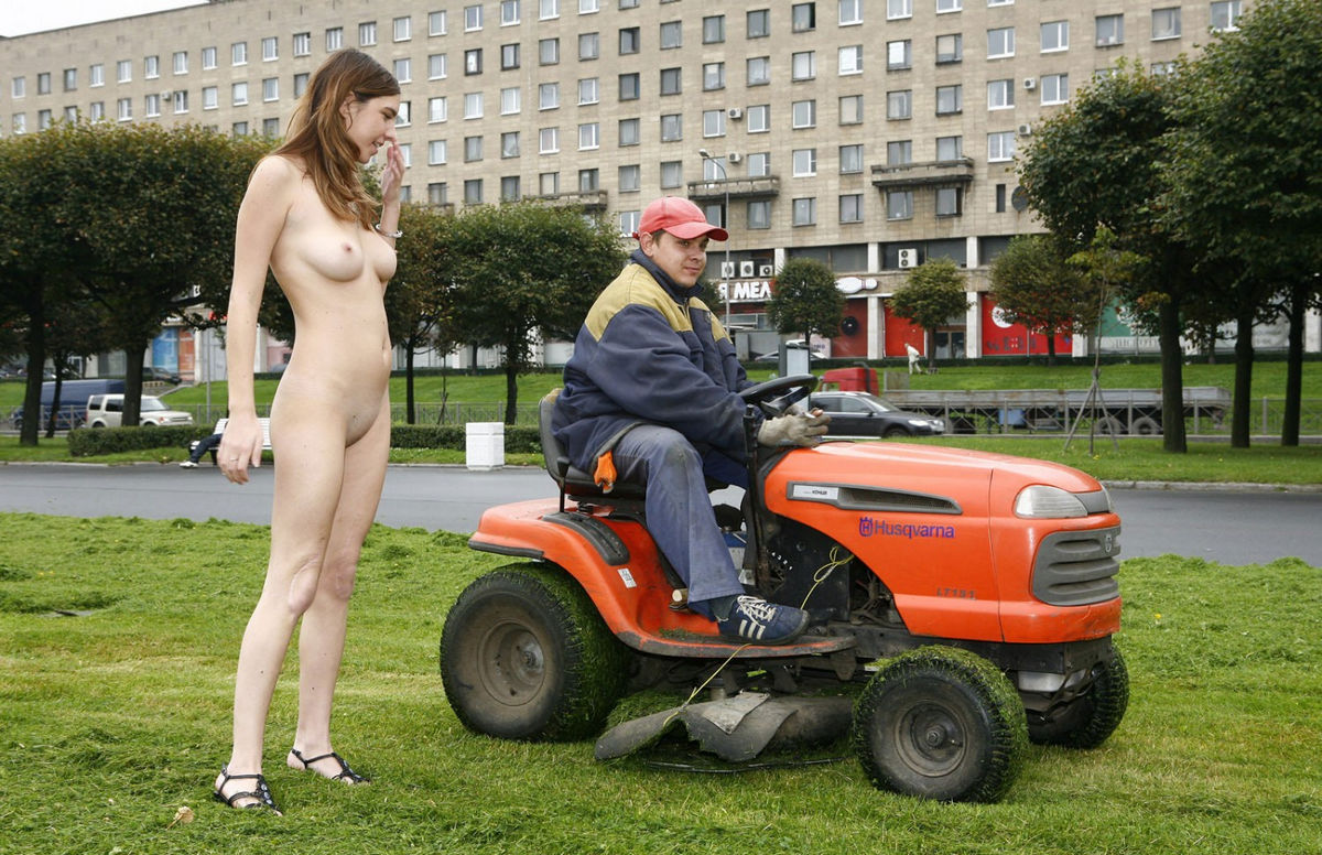 Can naked woman on riding lawnmower all not
