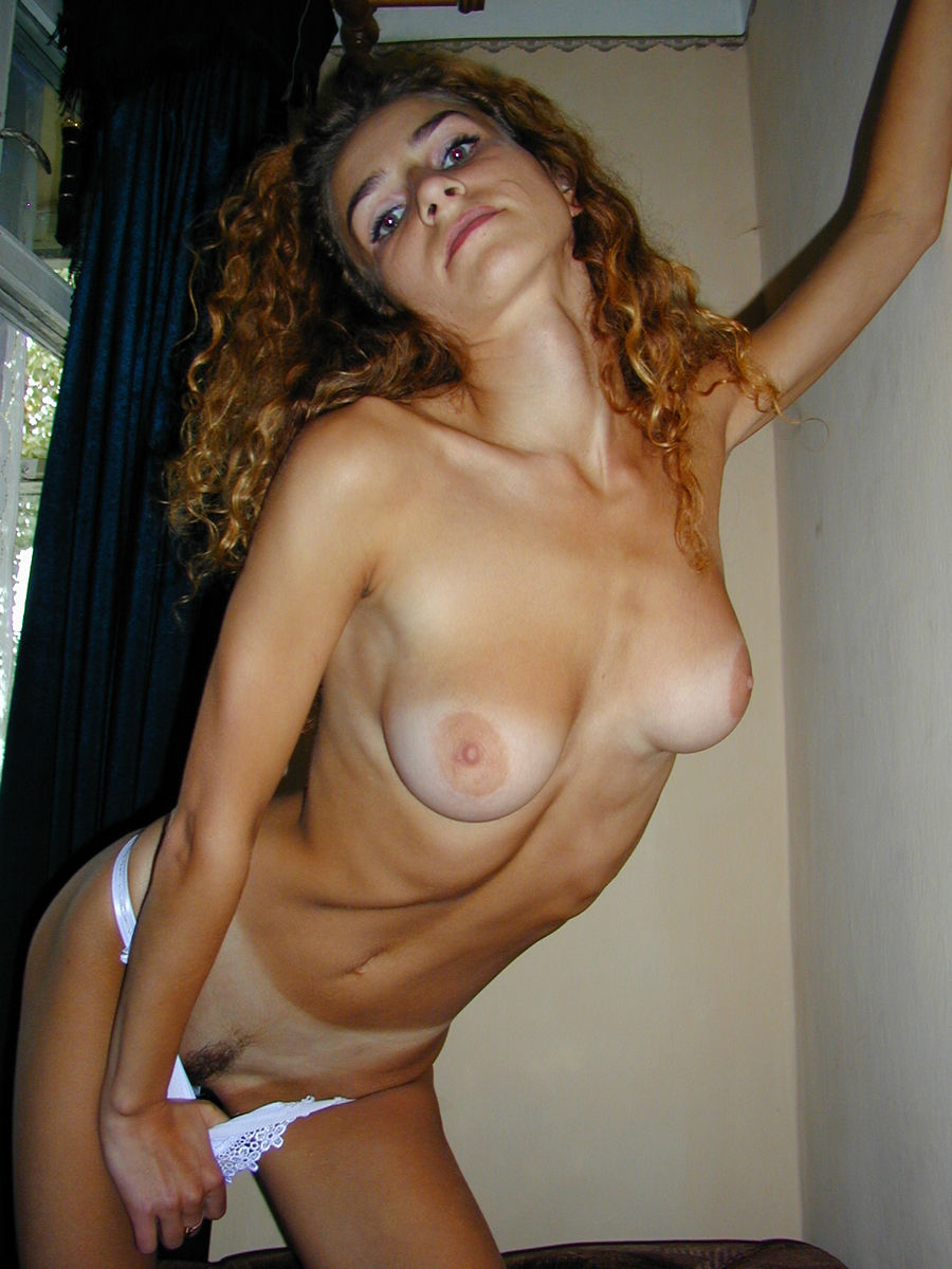 Curly Amateur Blonde With Skinny Body And Big Boobs -5177