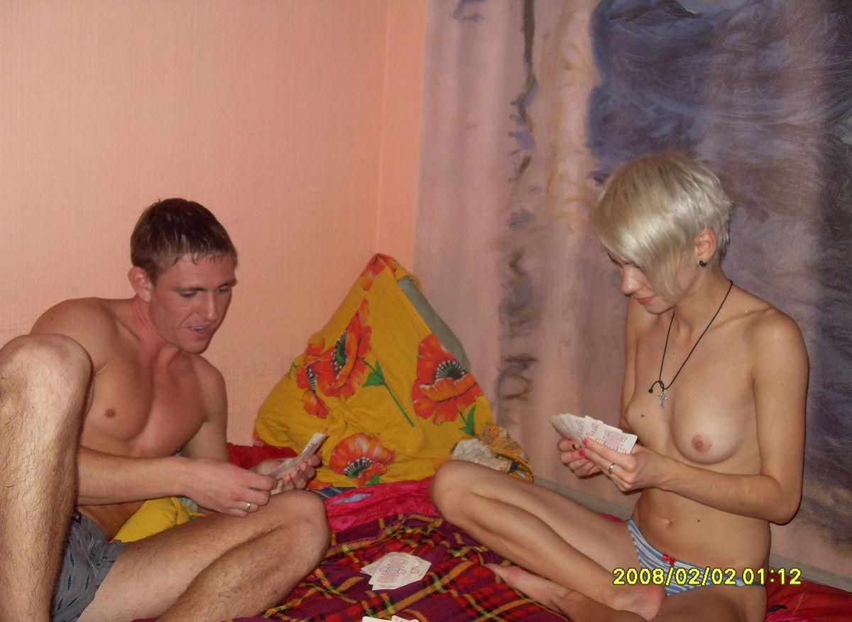Семья играла в карты на раздевание на русском семья 25 фотография