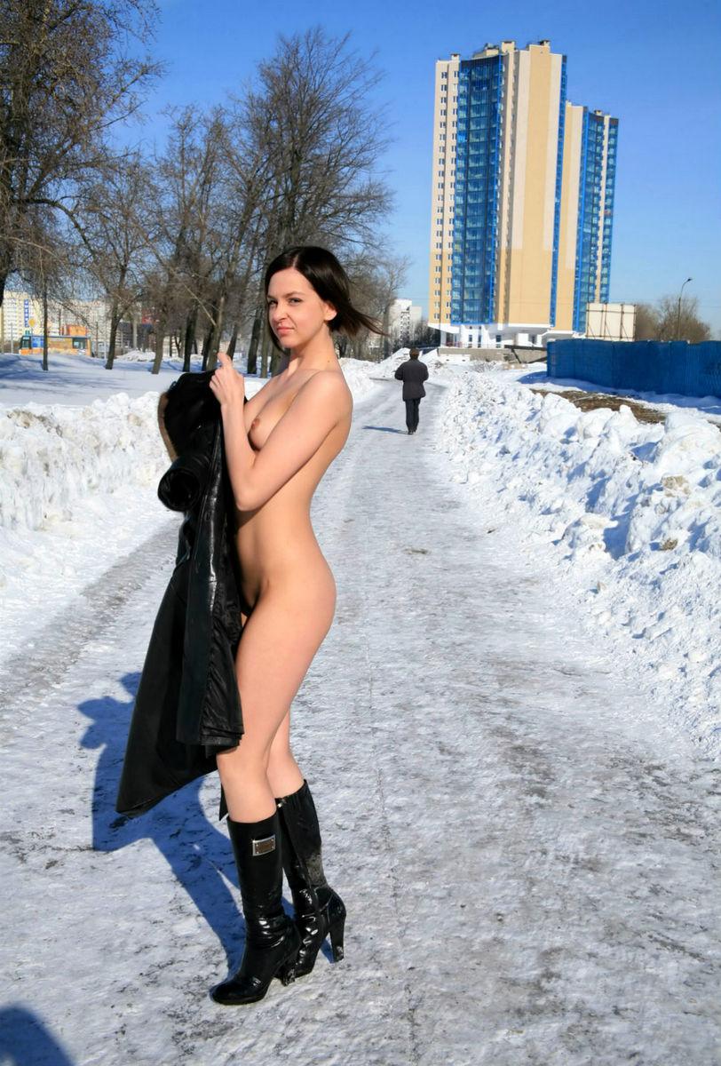 Онлайн хорошем русская девушка проститутка на улице шпагат эротический порно