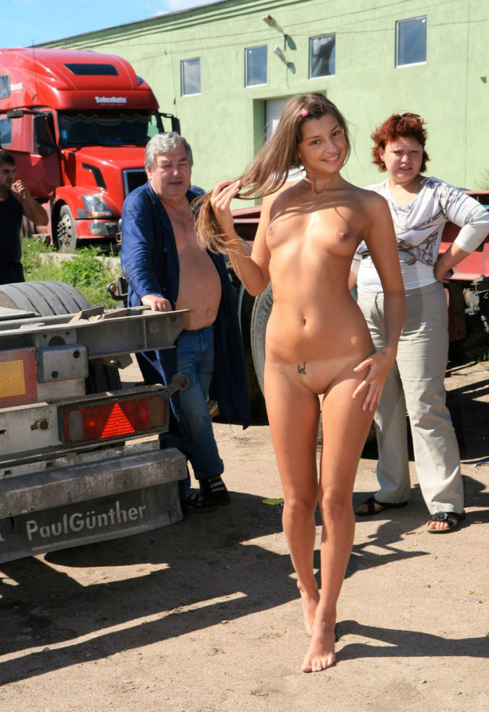 naked girls nude from the front