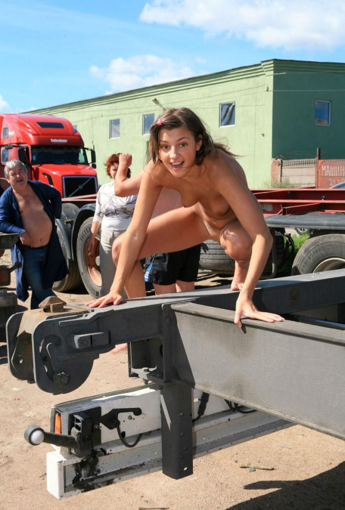 Naked teen girls-8092