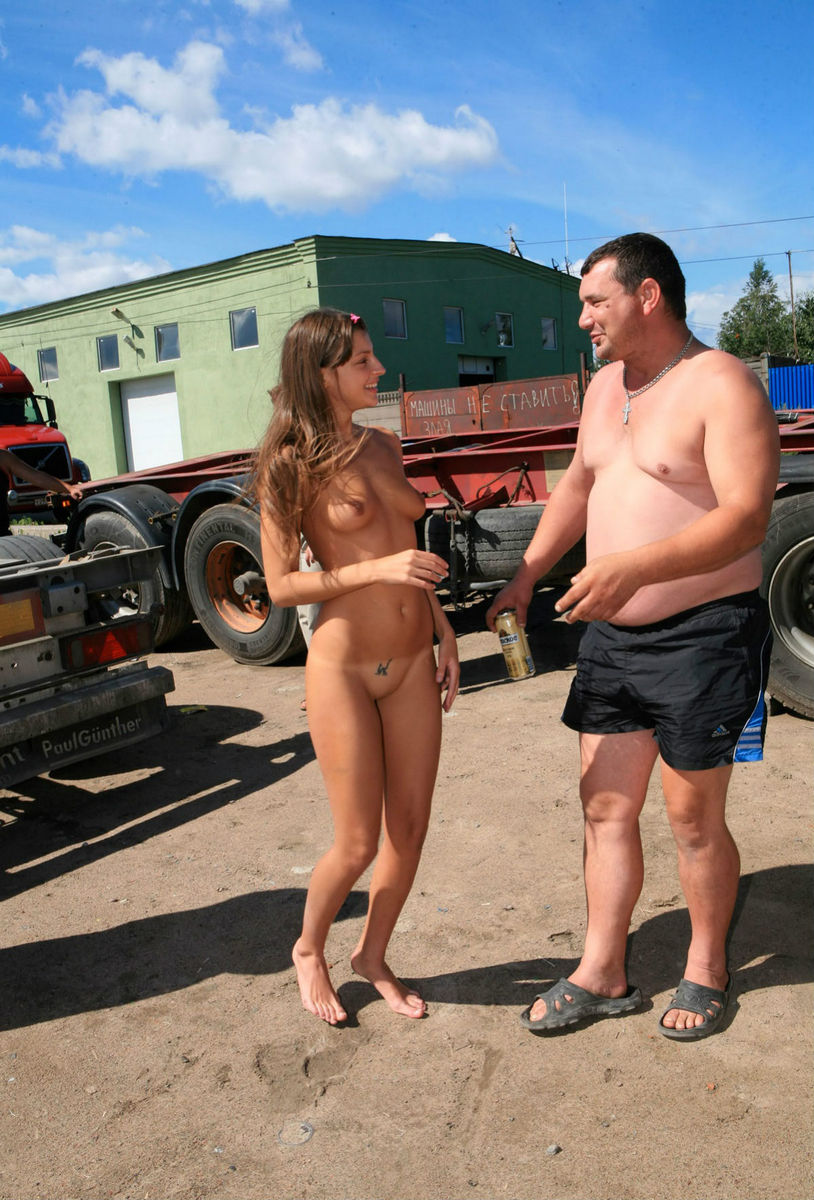 Shameless Teen Posing Naked In Front Of Truckers  Russian -4444