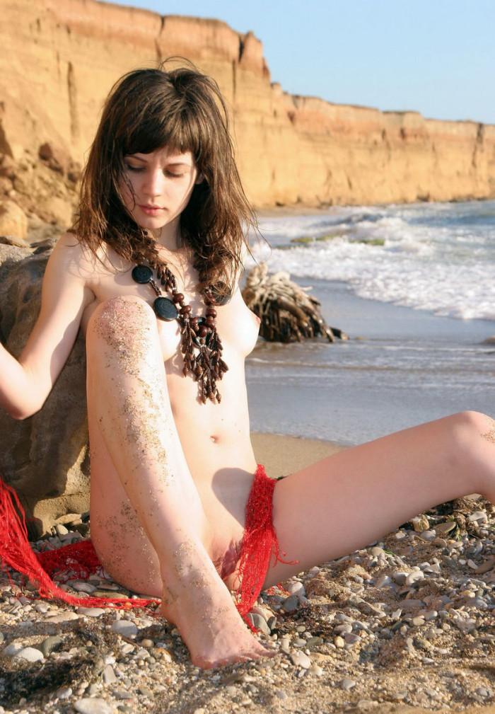 slim naked hot chick