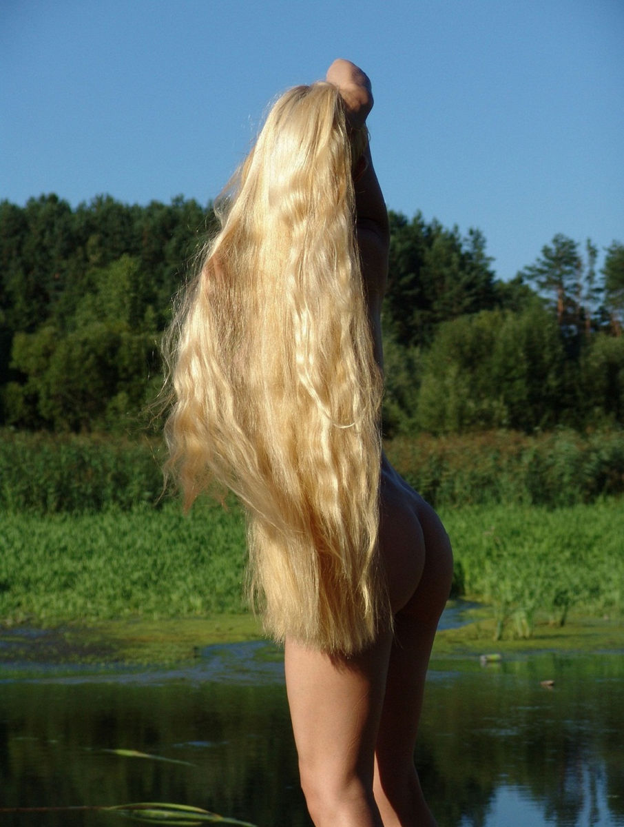 Sporty Blonde With Really Long Hair At The Lake  Russian -2978