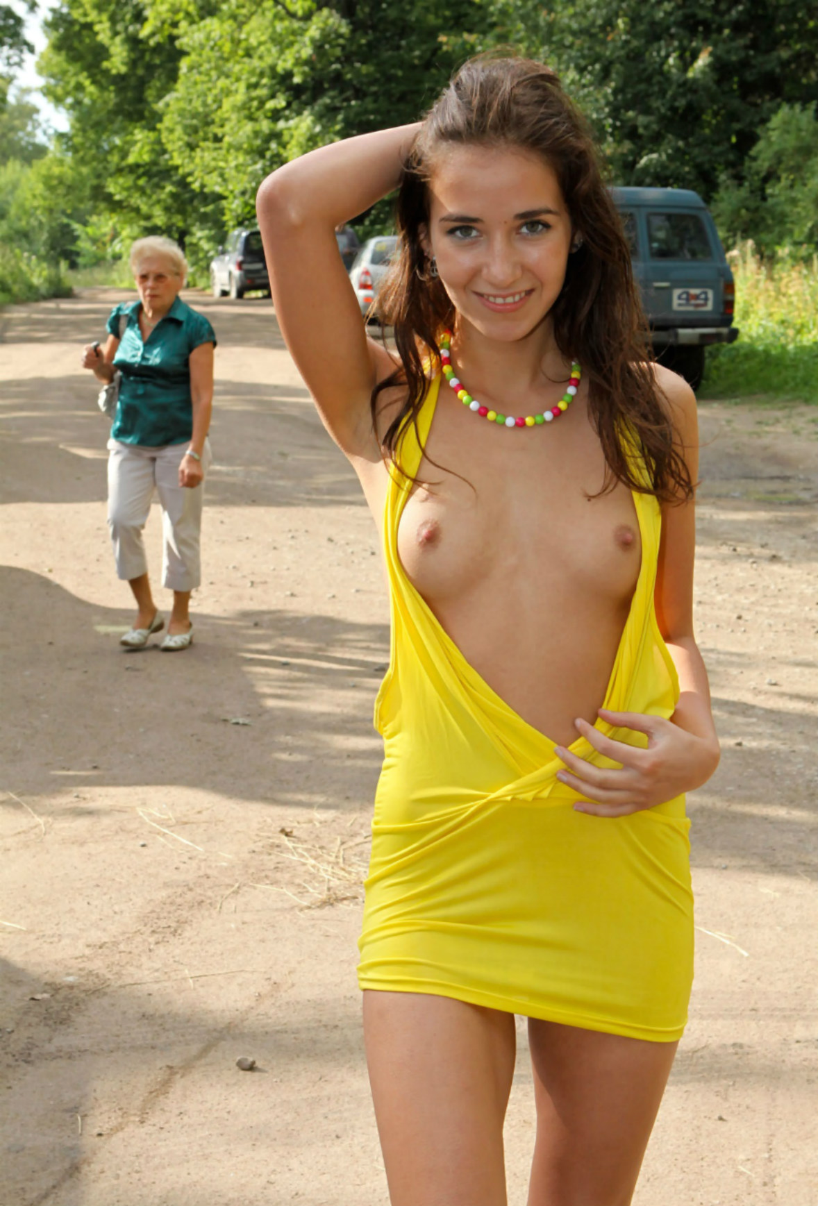 Teen Girl In Yellow Dress Shows Her Very Sweet Pussy At -6196