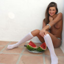 Teen girl shoves watermelon in her pussy