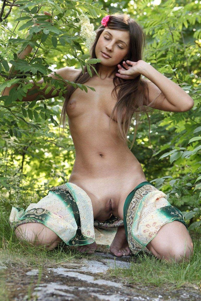 Well Known Marina Shows Pussy At The Forest  Russian Sexy -3056