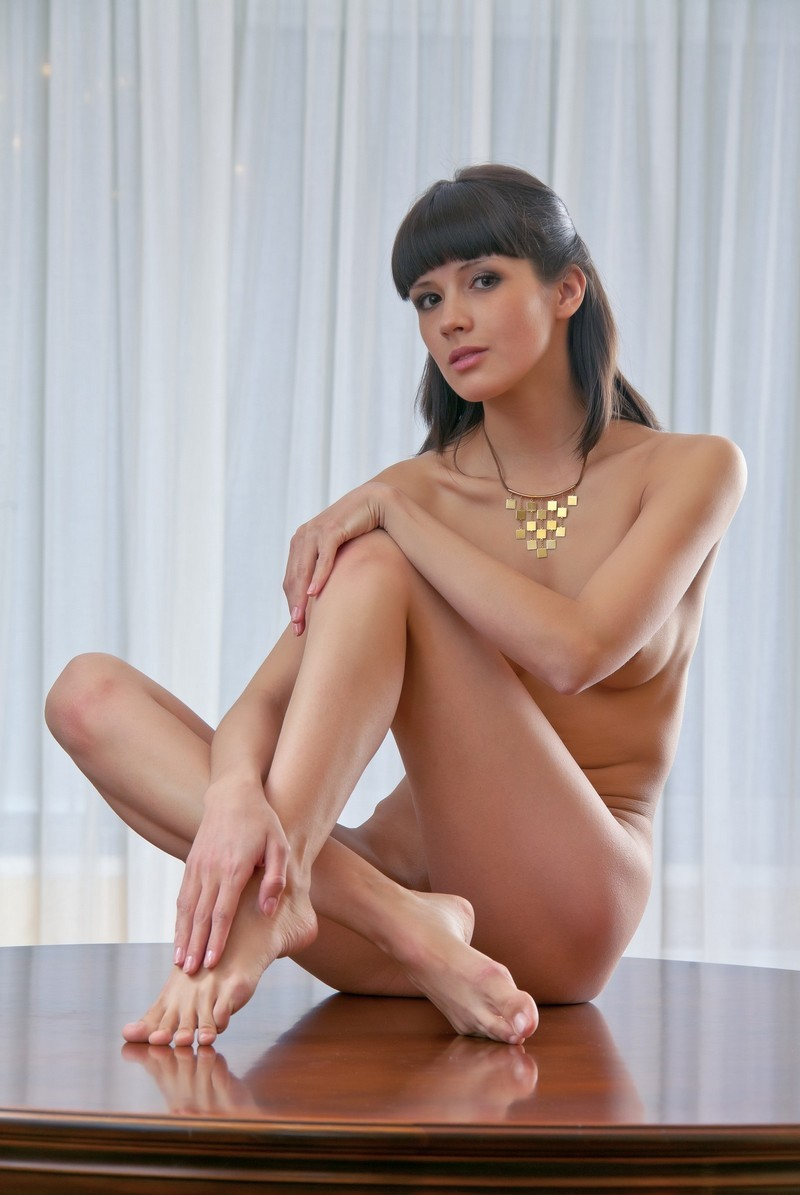 women with bangs nude