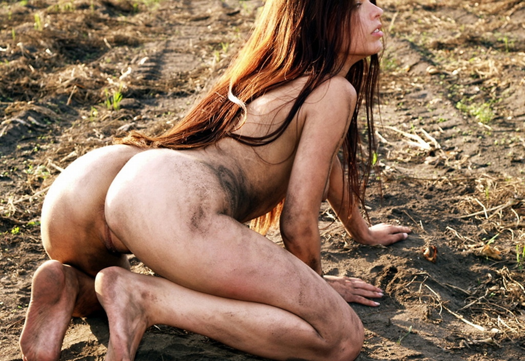 Busty Brunette With Perfect Body In Mud  Russian Sexy Girls-4560