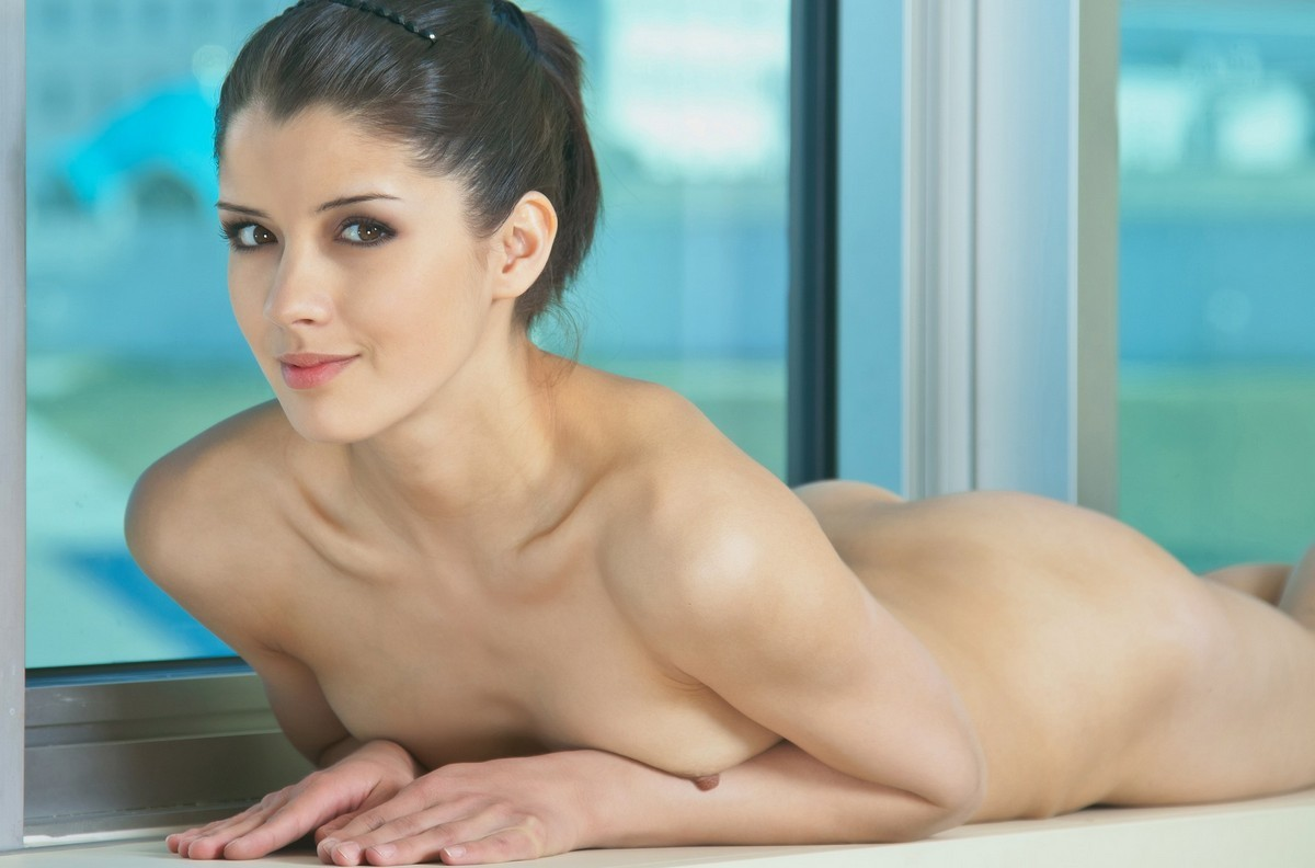 sexy brunette girls