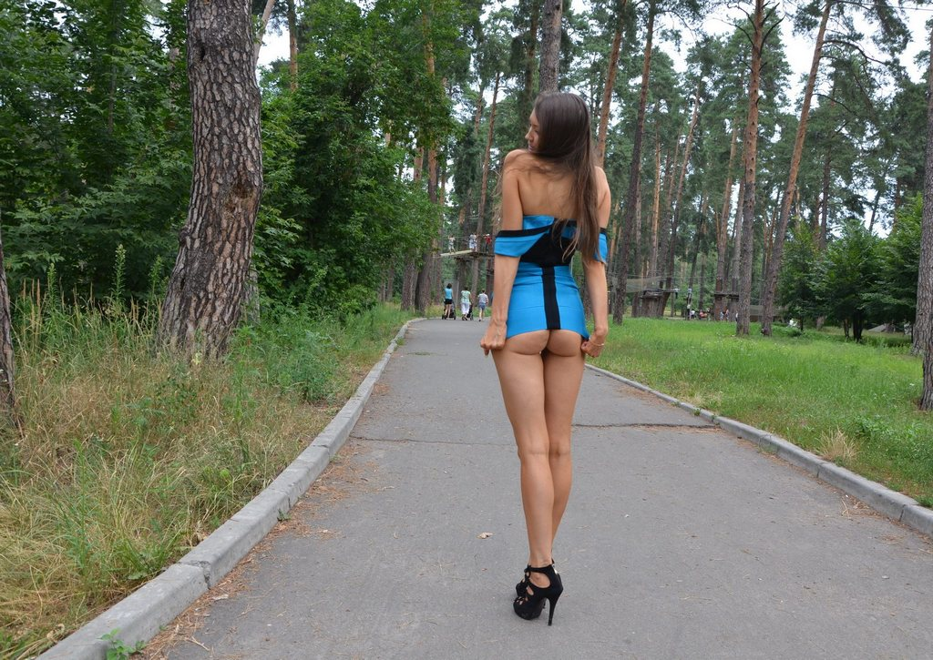 sexy woman walking pics