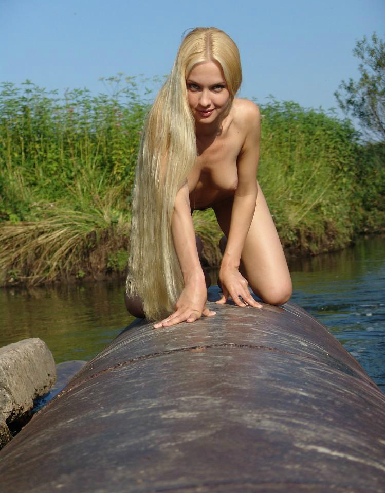 Hot Blonde Tube