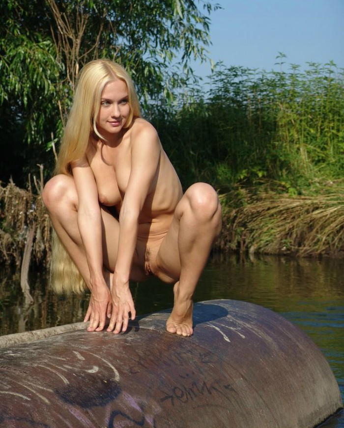 Hot blonde tube