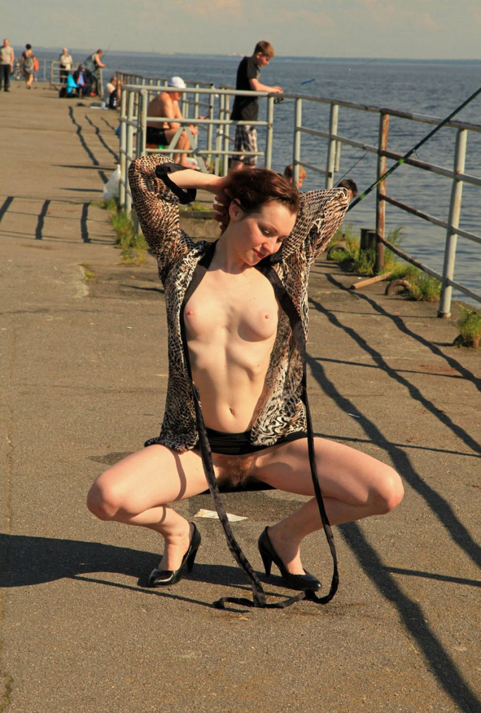 Hot Russian Redhead Milf With Hairy Cunt Flashes At Public -8147