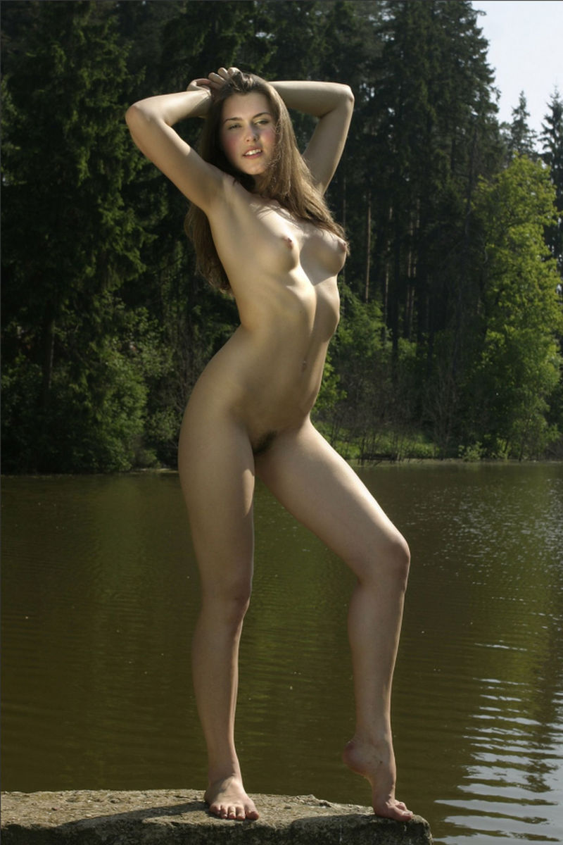 Free naked women nudist