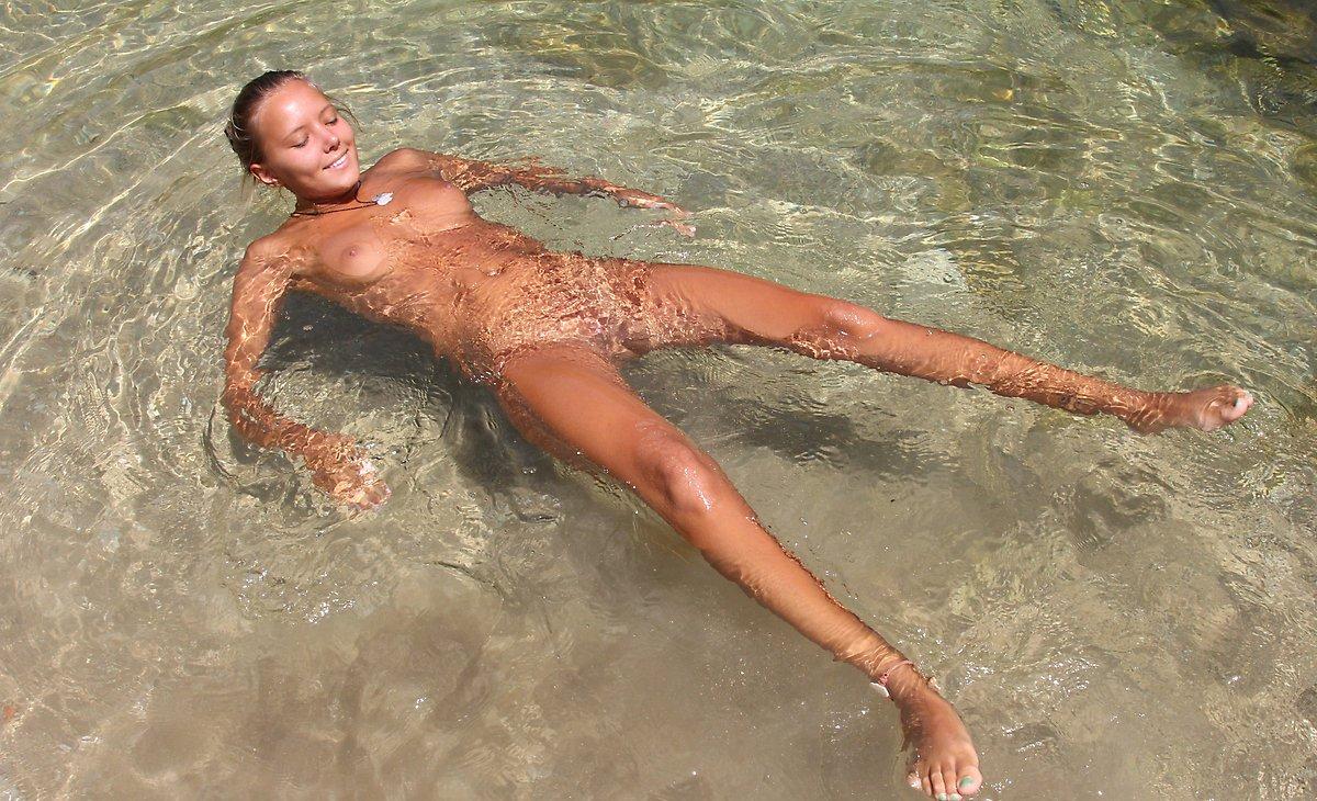 Секс с русскими туристами на пляже 29 фотография
