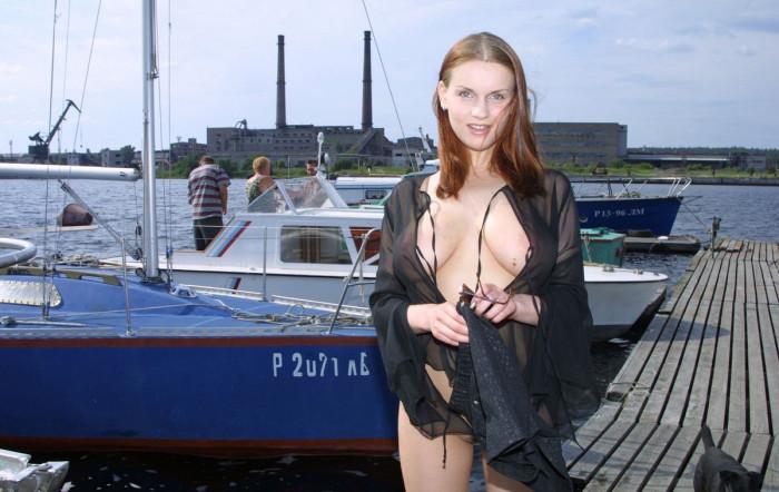 Эротические фотосеты Julia F