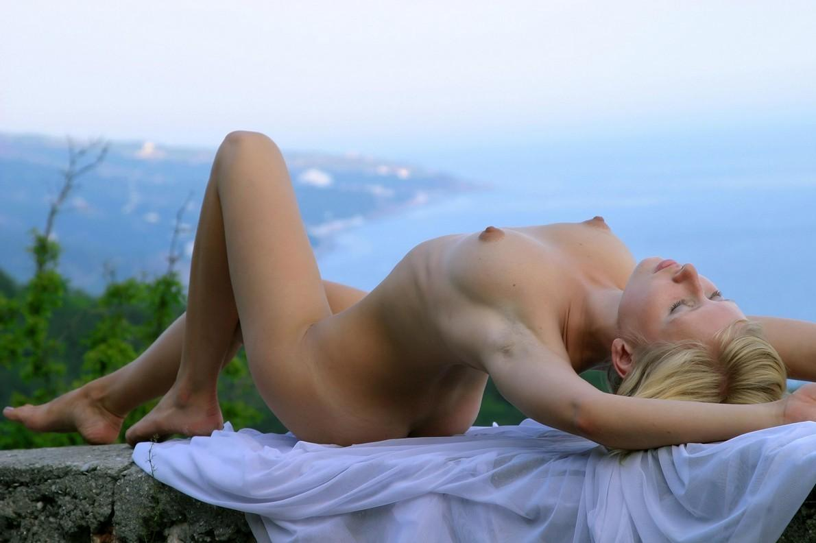 Blonde with perfect tits posing with a white handkerchief ...
