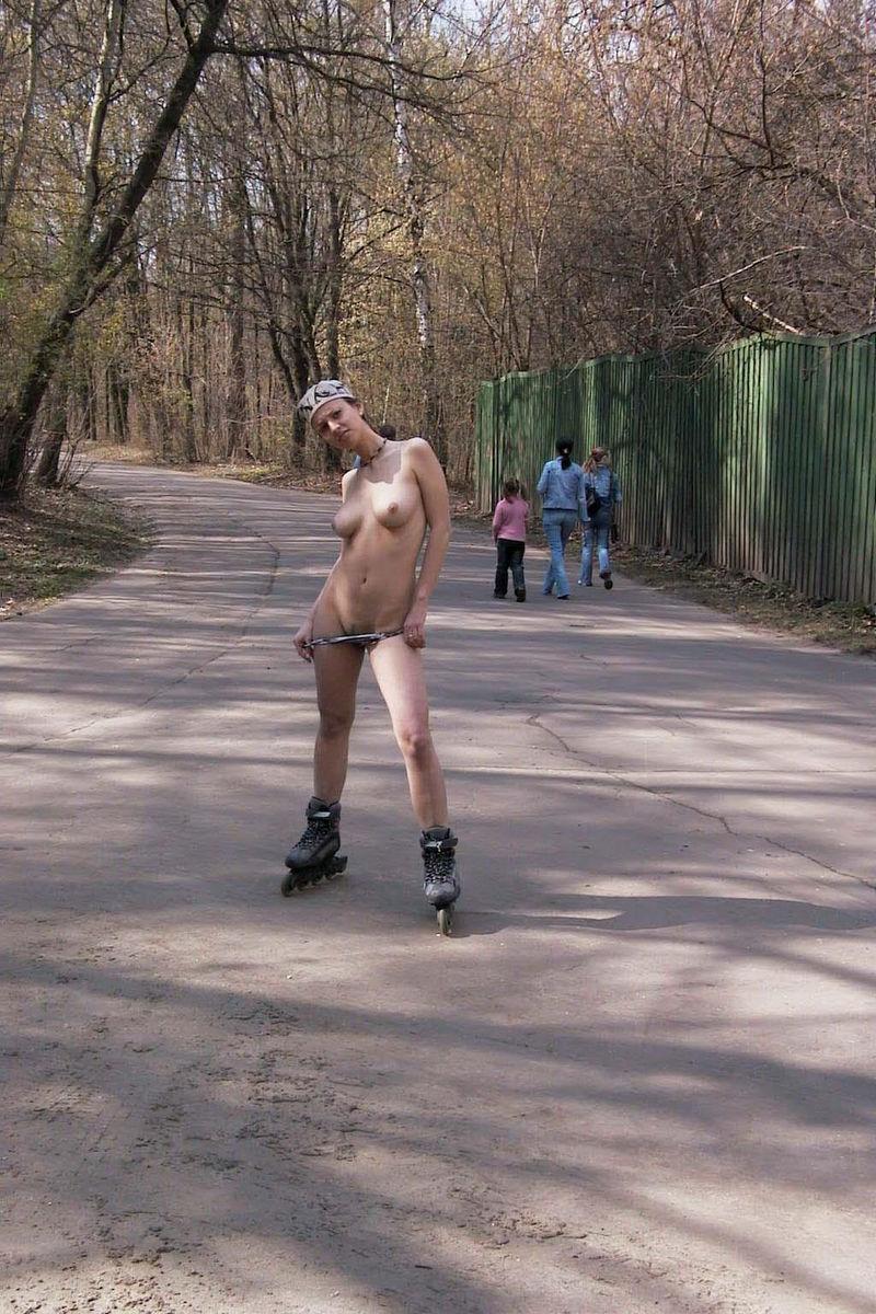 Смотреть бесплатно без регистрации ролики голые женщины 15 фотография