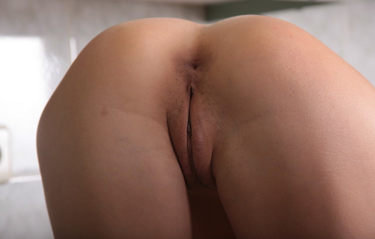pussy in leging hot girl