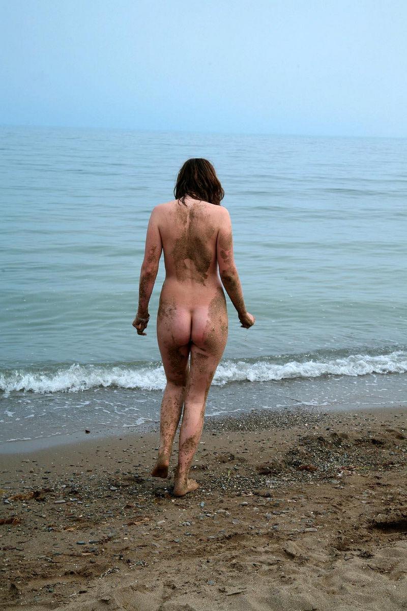 Hairy nude on beach-7359