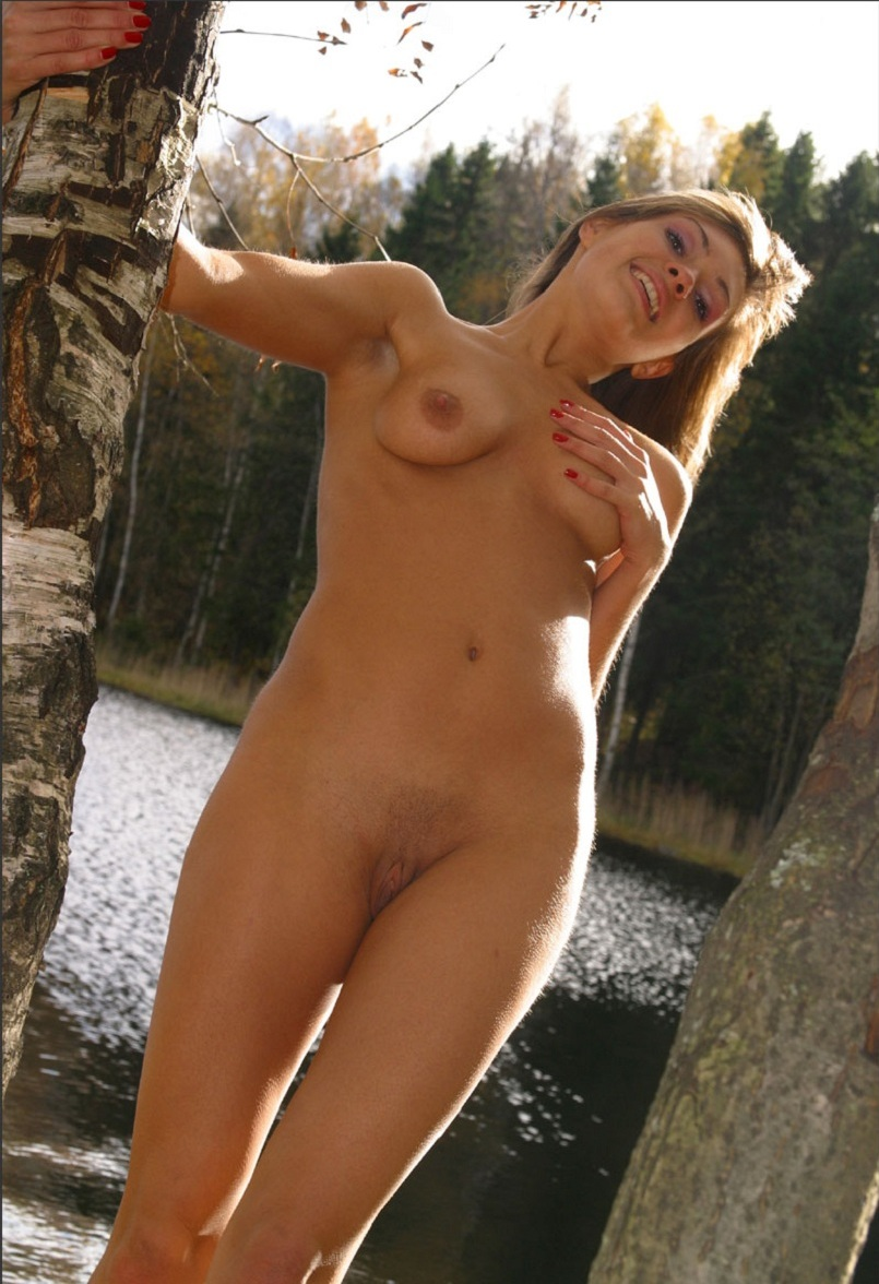 Hot Russian Girl With Sporty Body At Forest By The River -5081