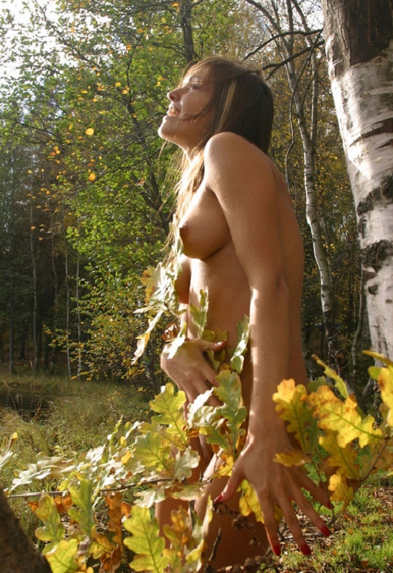 Hot Russian Girl With Sporty Body At Forest By The River -5958