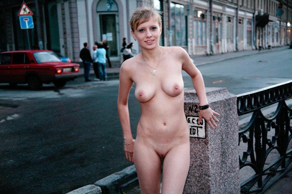 foto-golie-v-pitere