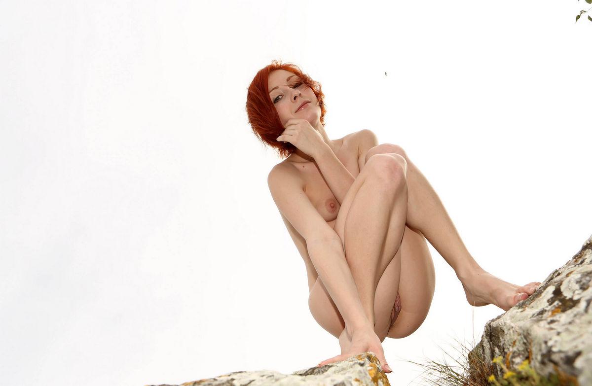 bust-nude-short-red-hair-woman-hot-cum-dripping