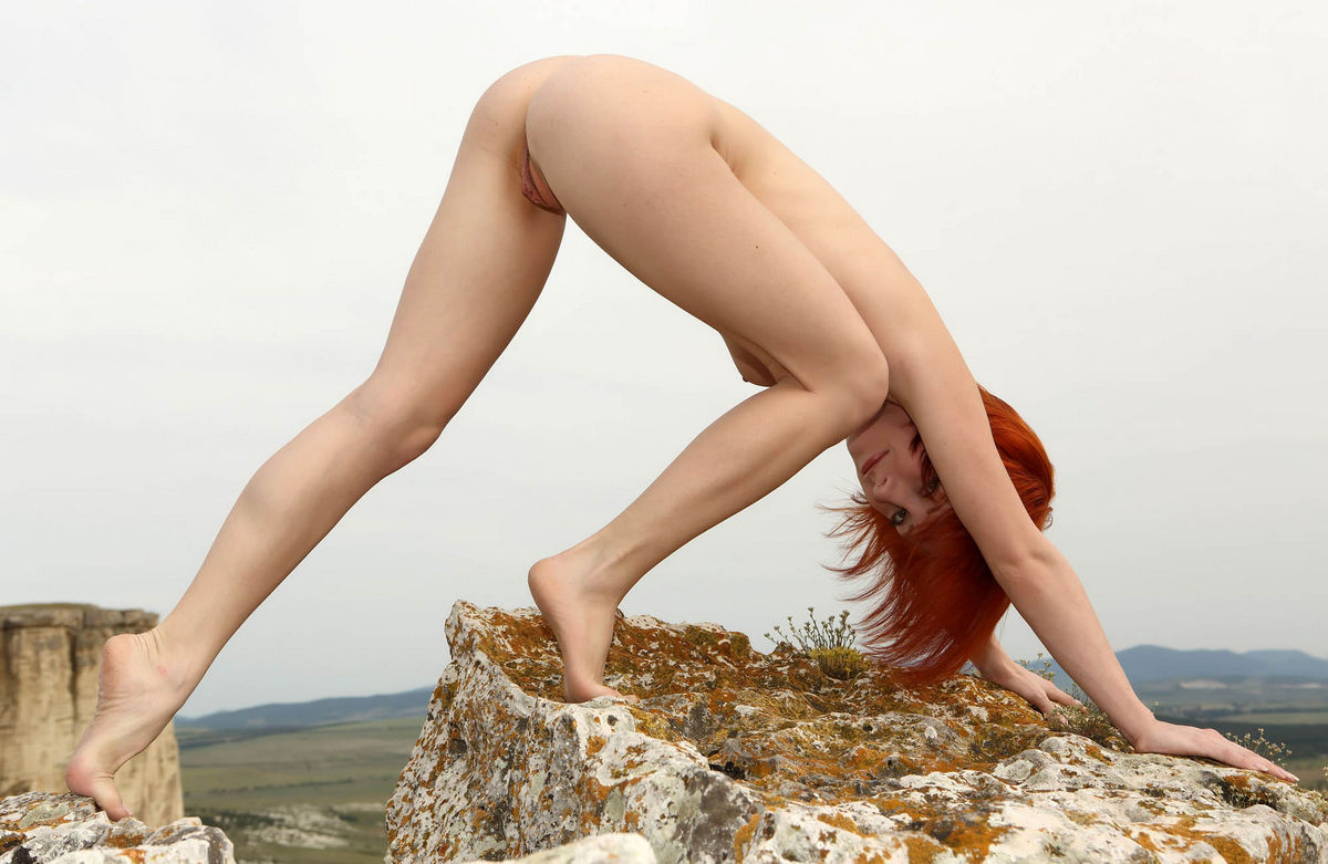 Naked Red-Haired Woman On Top Of A Sheer Cliff  Russian -2736