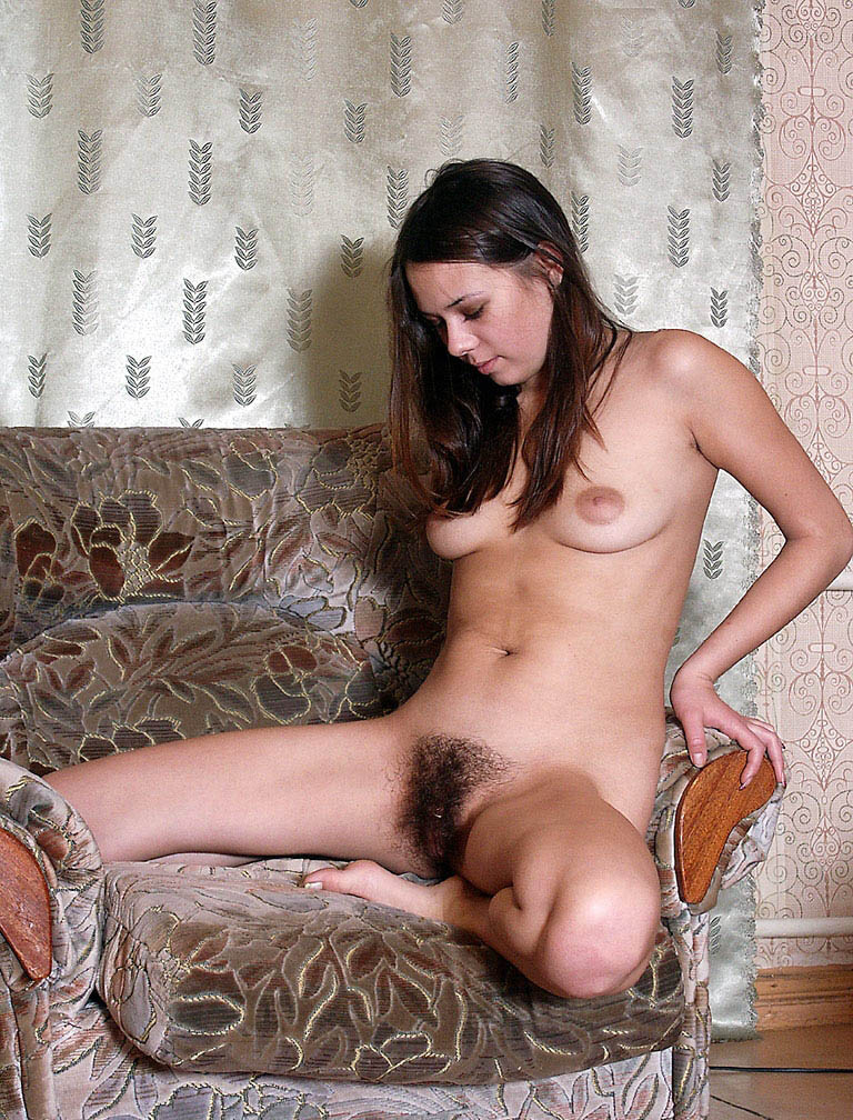 Private Photos Of Young Brunette With A Very Hairy Pussy -8284