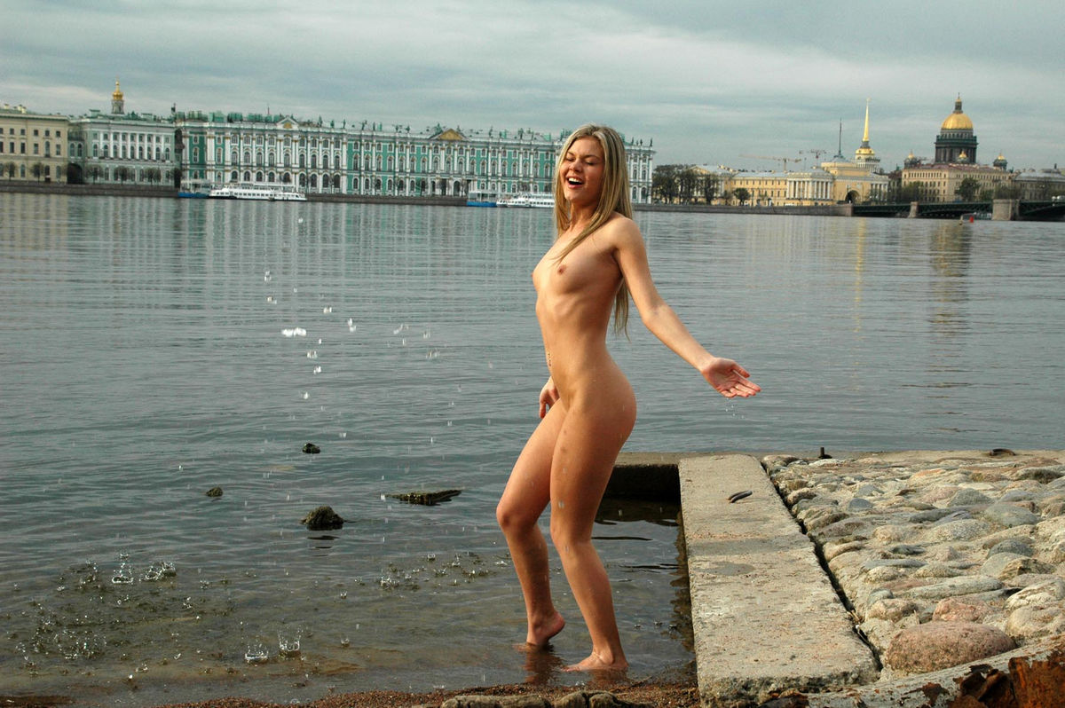 nude girl in cold
