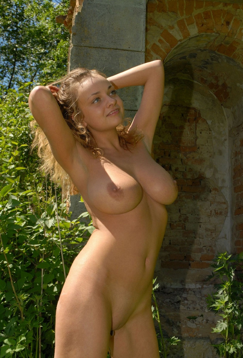 Huge natural perky boobs-4019