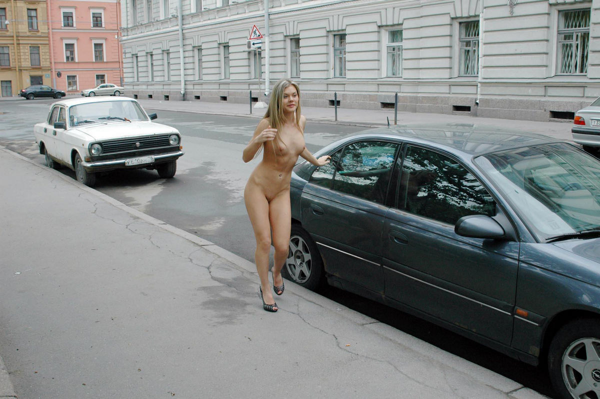 Горбачева голая на улице — pic 11