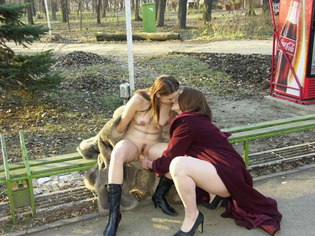 смотреть мастурбация в общественном месте - 9